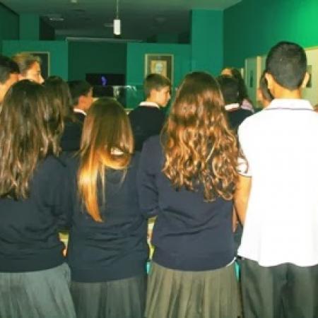 Alumnos visitan exposición